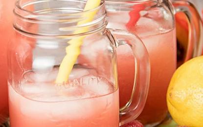 Broskyňovo-malinová paleo limonáda